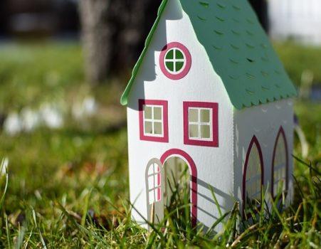 Este sau nu momentul potrivit să-ţi cumperi o casă?